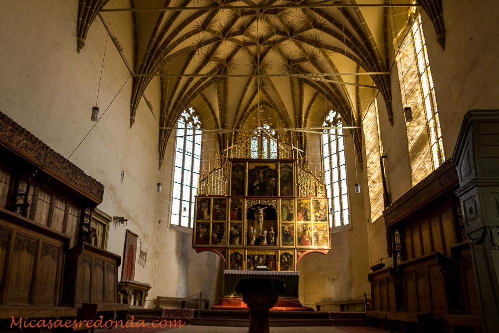 Interior de la iglesia fortificada de Biertan
