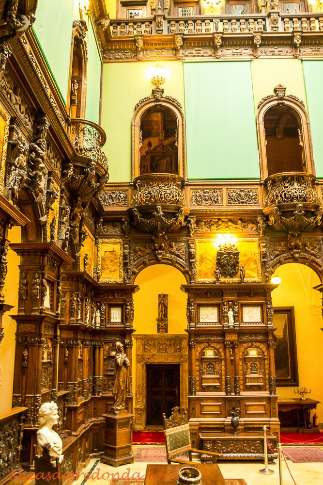 Interior del Castillo de Peles