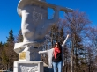 Monumento en el paso de montaña de la carretera 17A, Bucovina