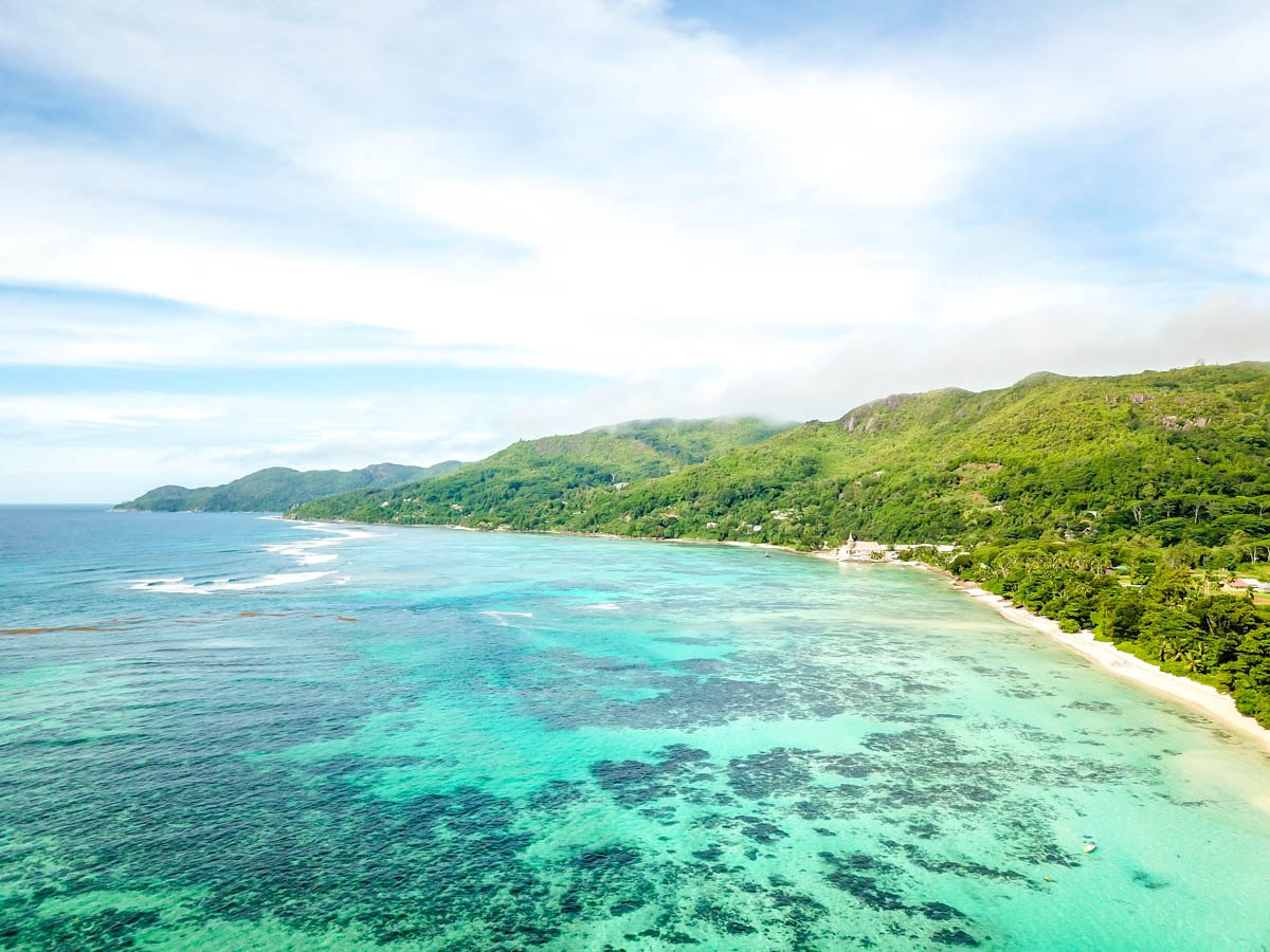 Anse Royale desde el aire, Mahe, Seychelles