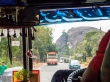 Entre buses y carreteras, Sri Lanka