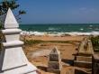 Cementerio junto a la playa, Tangalle