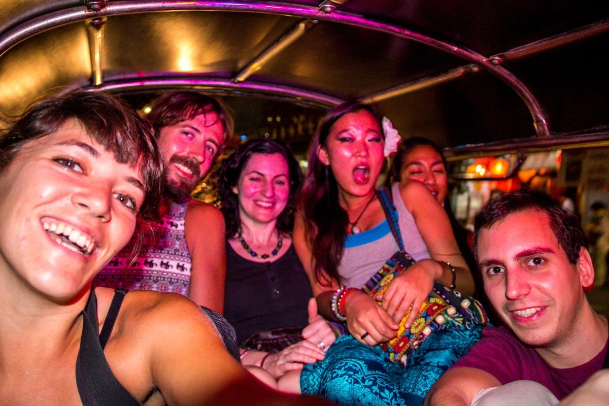 6 en un tuk tuk, Bangkok