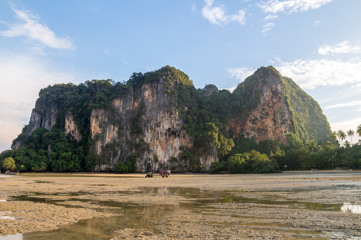 Marea baja en Railay