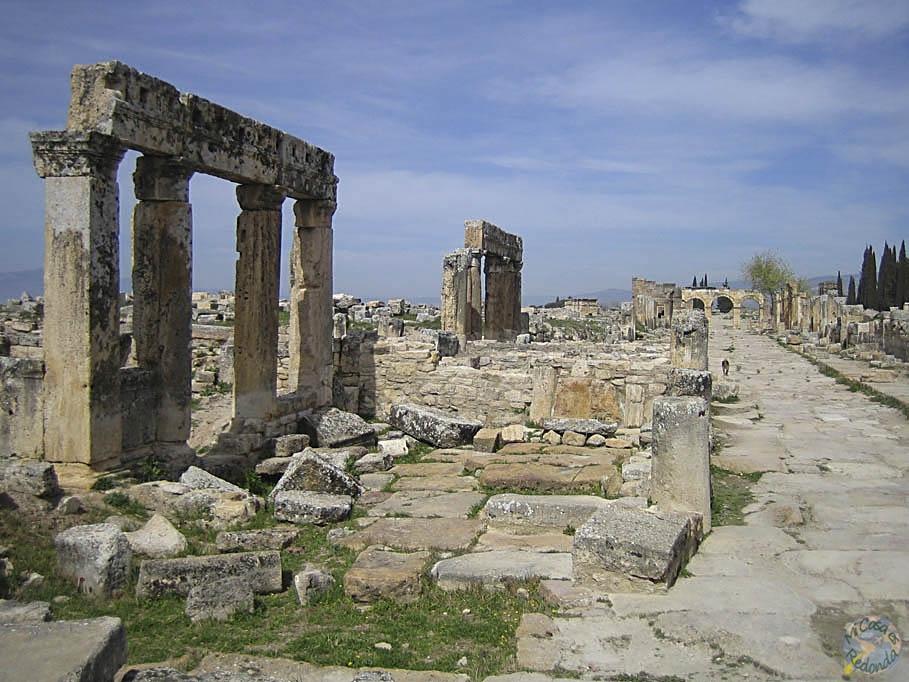 Ruinas y más ruinas