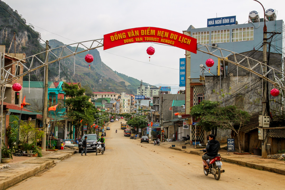 Llegando a Dong Van
