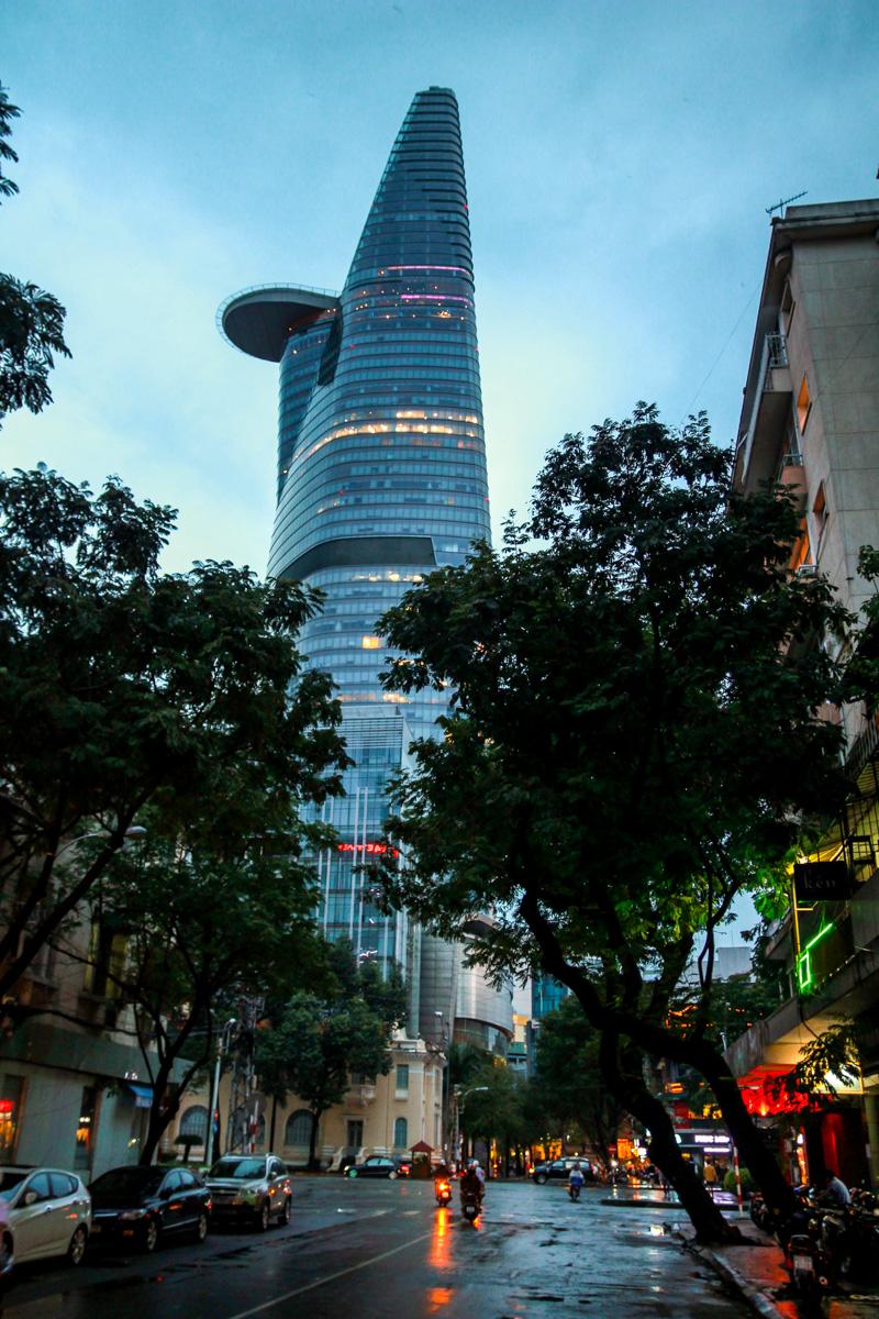 Calles de Saigon, anocheciendo