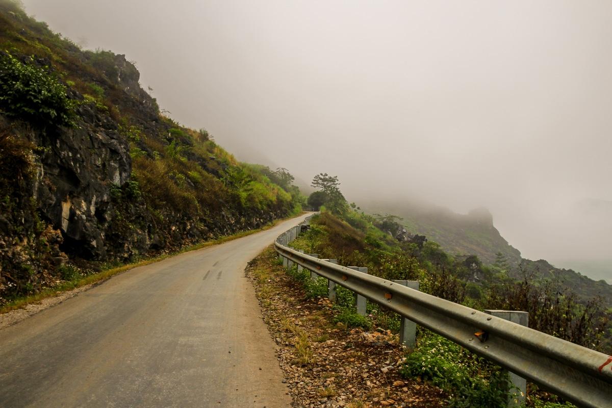 Internándonos en la niebla - Loop QL34 road