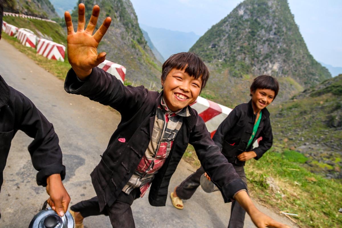 Niños que nos acosaban con felicidad - Loop QL34 road