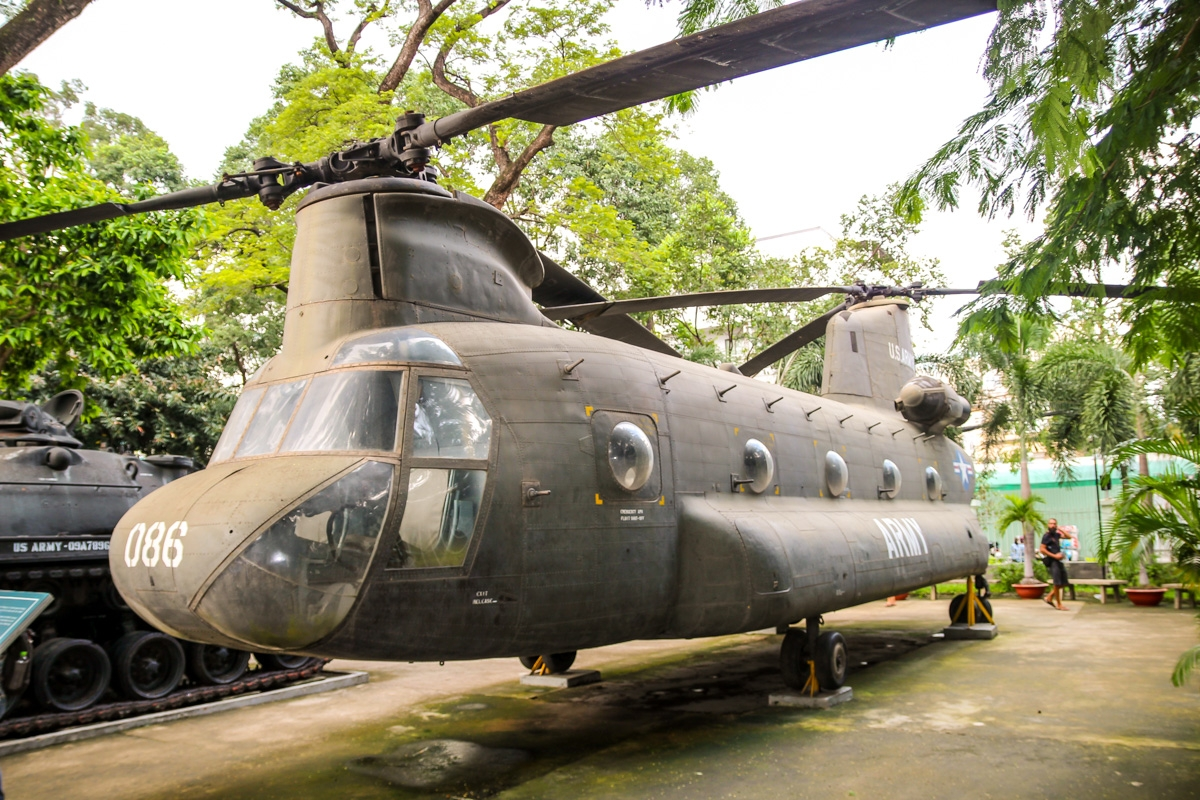 Chinook, War remnants museum, Saigon