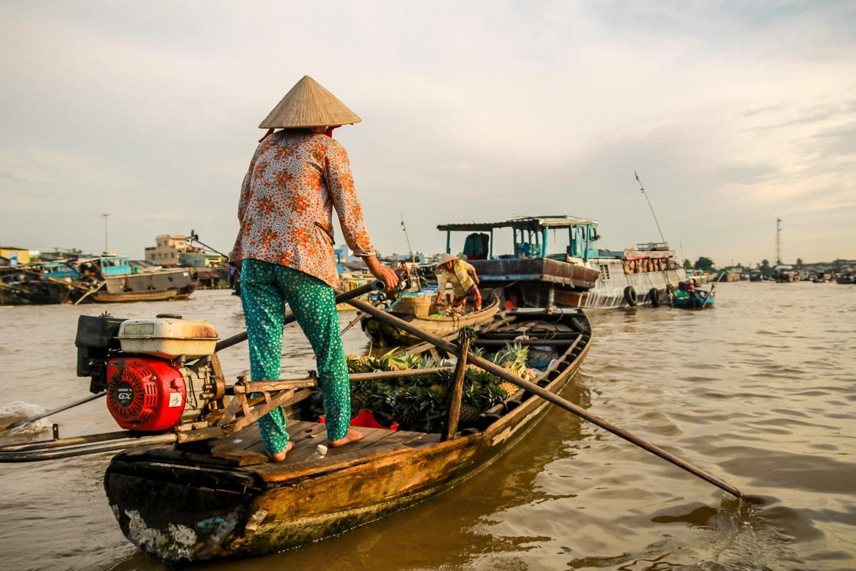 Señoras en pijama en el Mekong