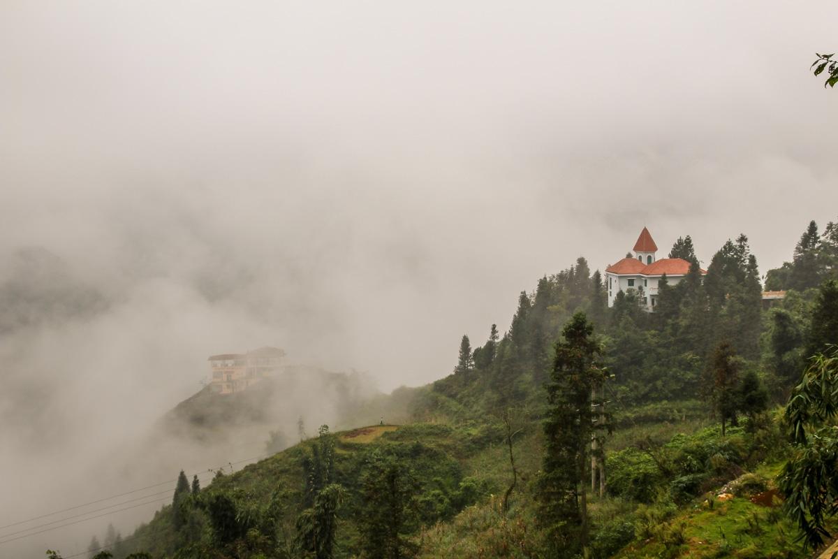 Niebla en los alrededores de Sapa