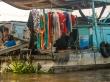 Ropa tendida en casa (barca)