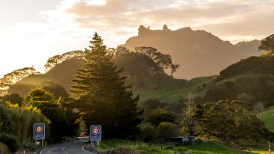 Por la Whangarei Heads Road, Northland