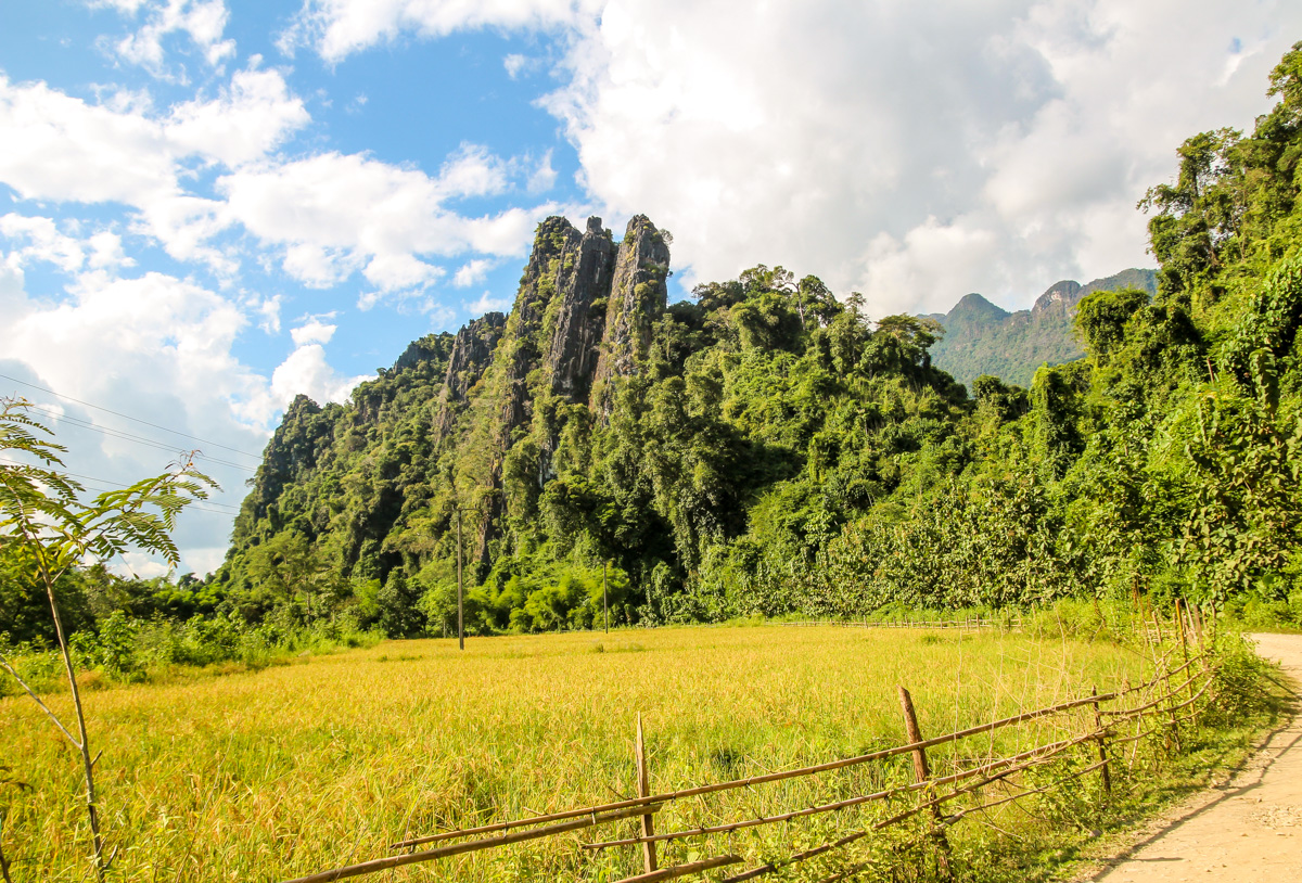 Vang Vieng y Vientiane, del tubing a la capital de Laos