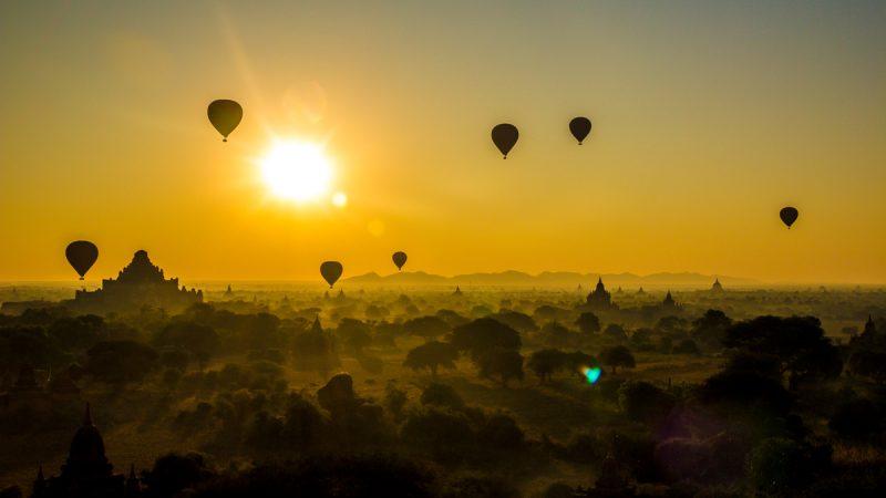Templos de Bagan, amaneceres y atardeceres