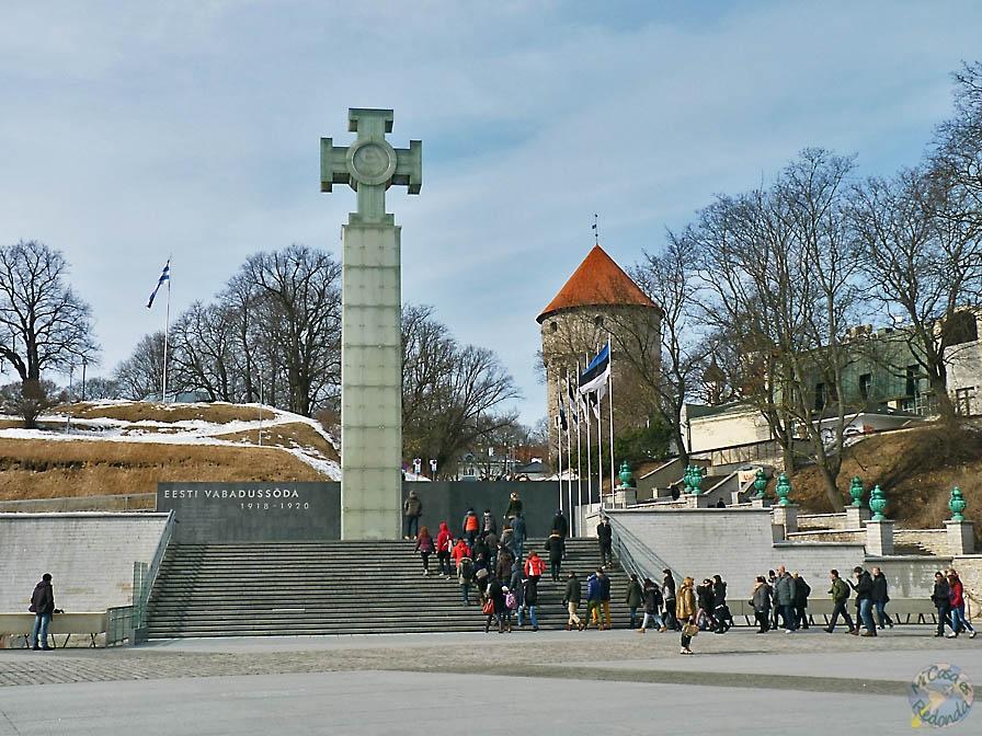 Columna de la Victoria de la Guerra de la Independencia. Plaza de la Libertad, Tallin