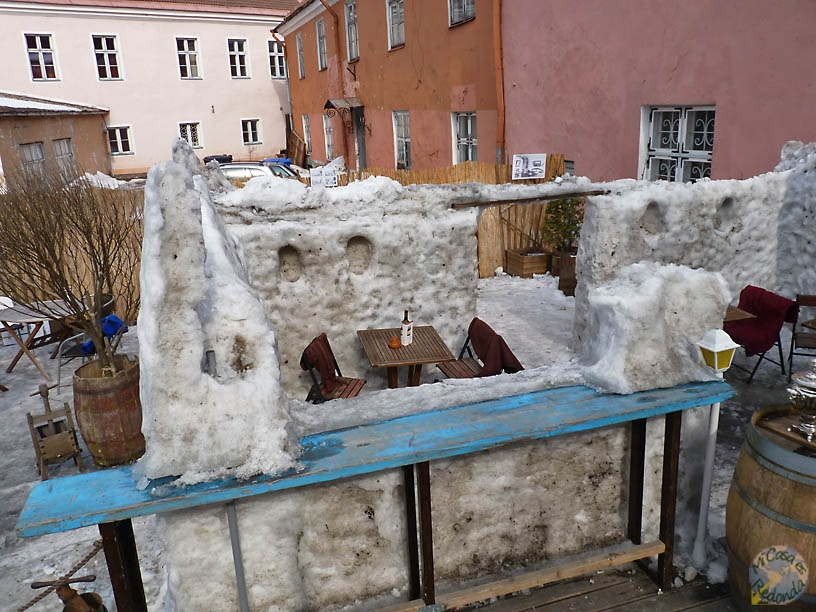 Un bar en el hielo, creo que paso. Tallin