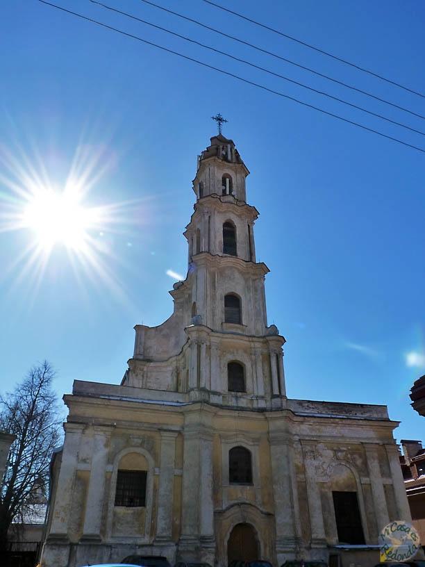 Iglesia abandonada en el centro de Vilnius