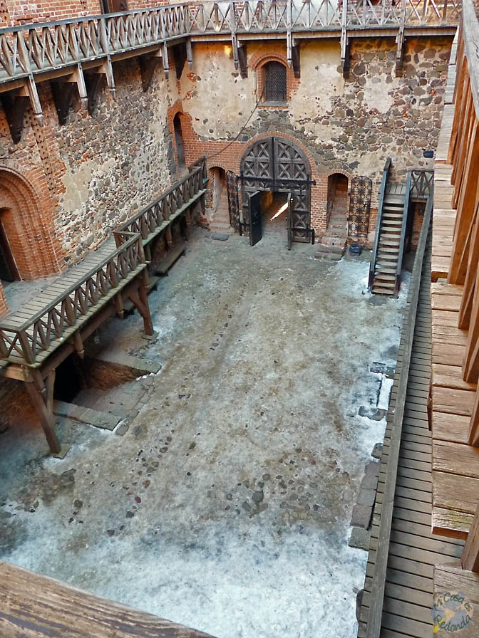 El patio del castillo, Trakai