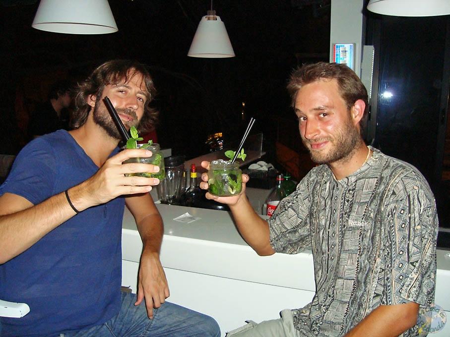Más Cheers! Con mojitos... acabo turbia la noche