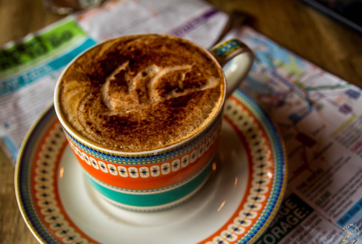La Opera de Sydney en un café