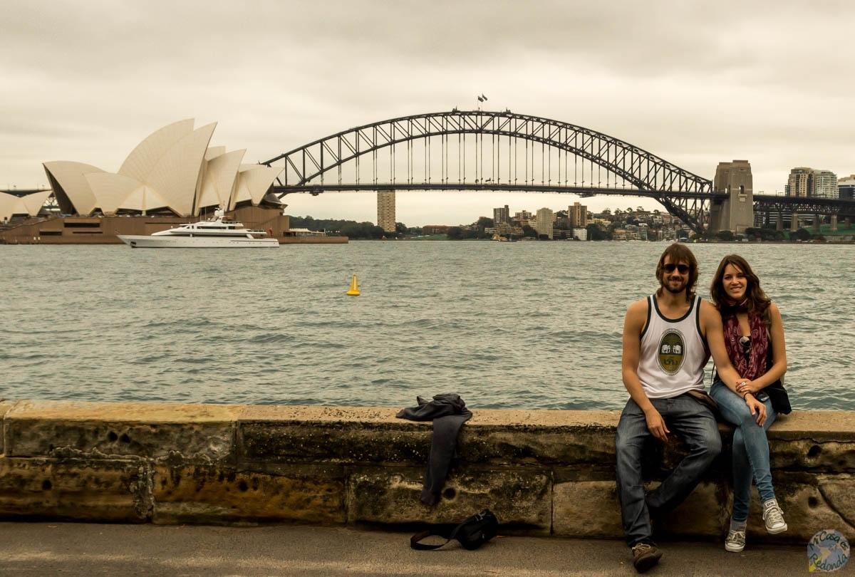 La opera, el puente, un yate. Sydney
