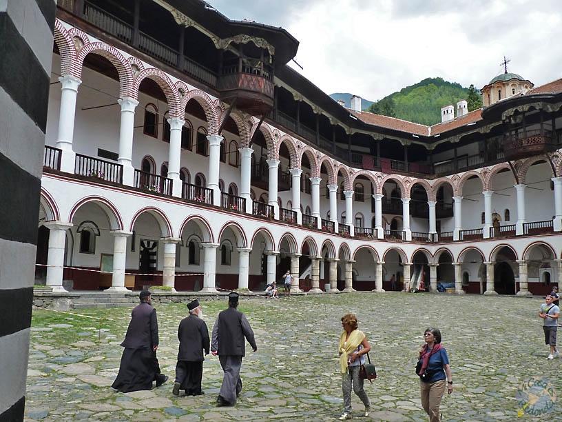 Sacerdotes ortodoxos en Rila