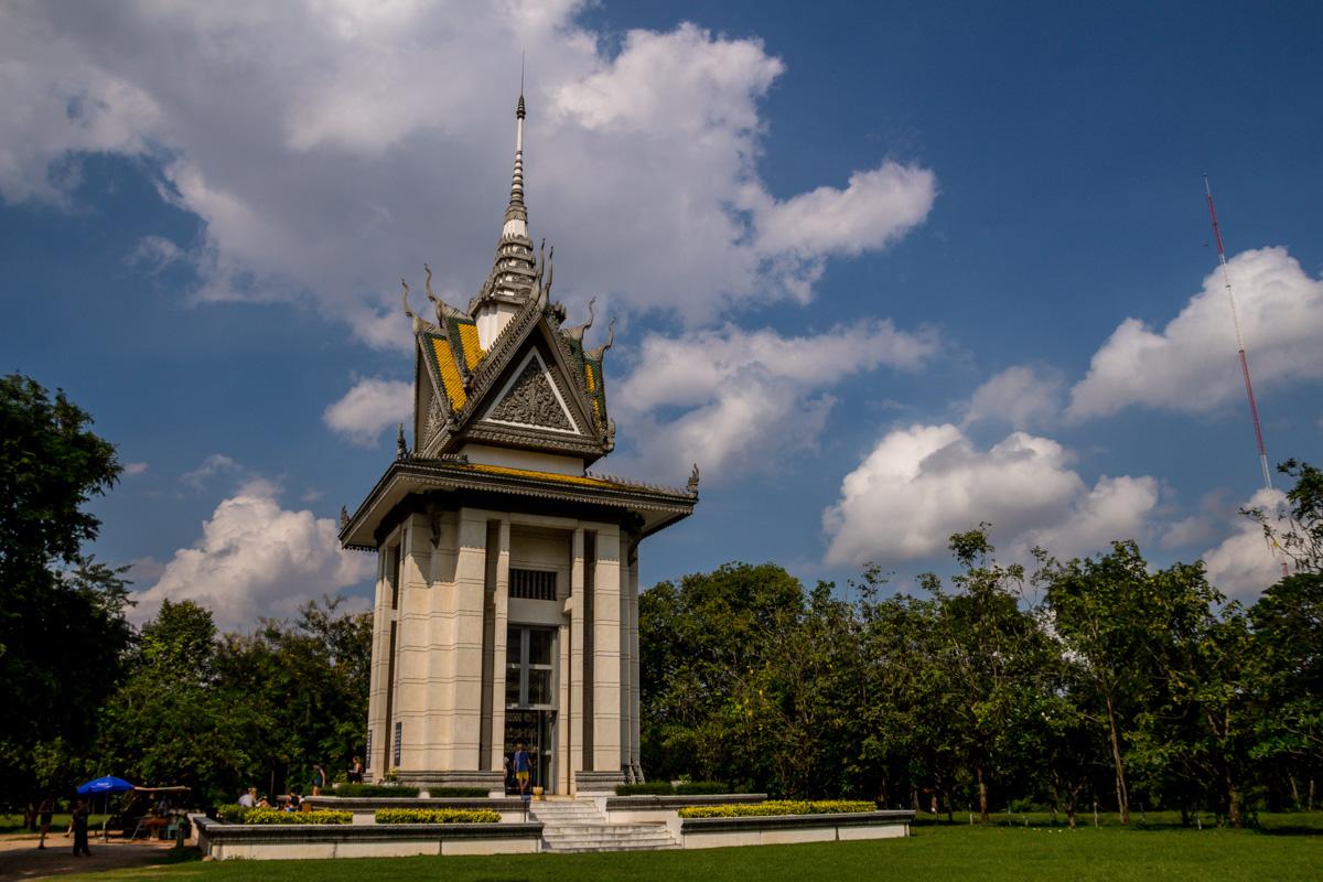 Monumento del campo de exterminio de Choeung Ek