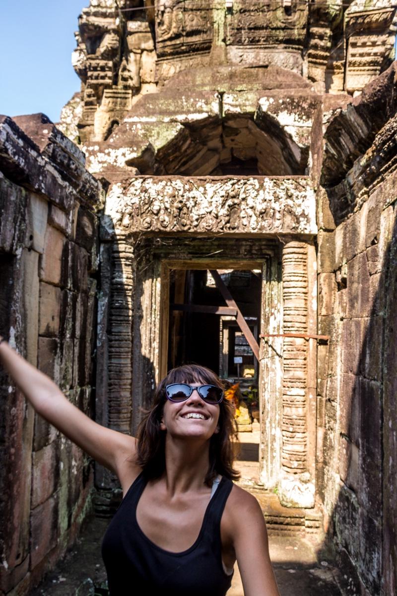 Saltando feliz en Angkor