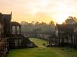 El sol nos saluda en Angkor Wat