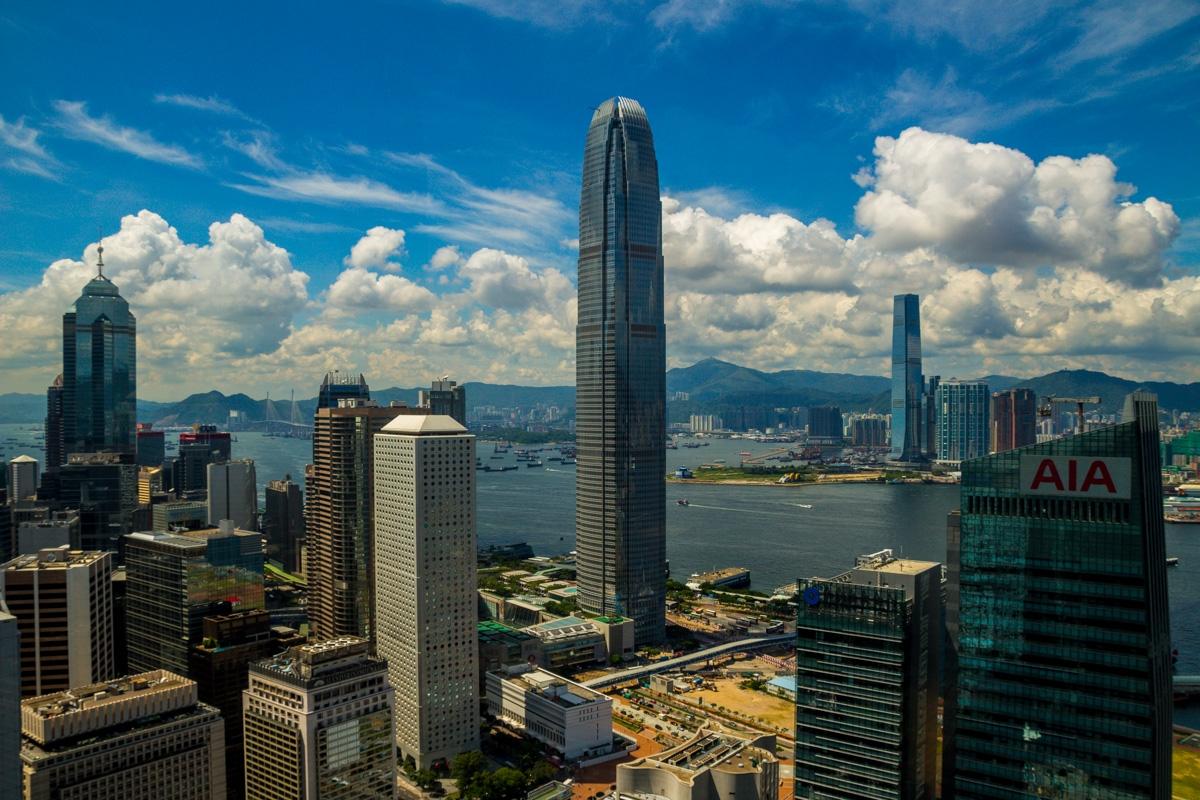 Los dos colosos de Hong Kong, frente a frente