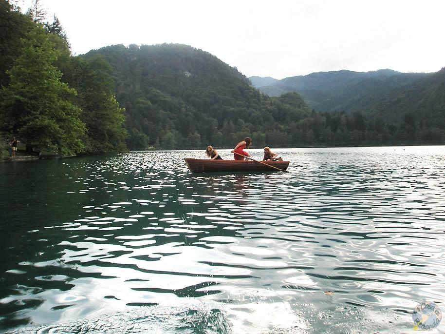 carrera de barcas hasta la isla
