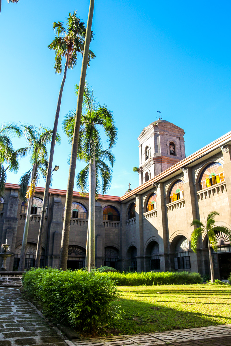 Monasterio junto a la Iglesia de San Agustín, Manila