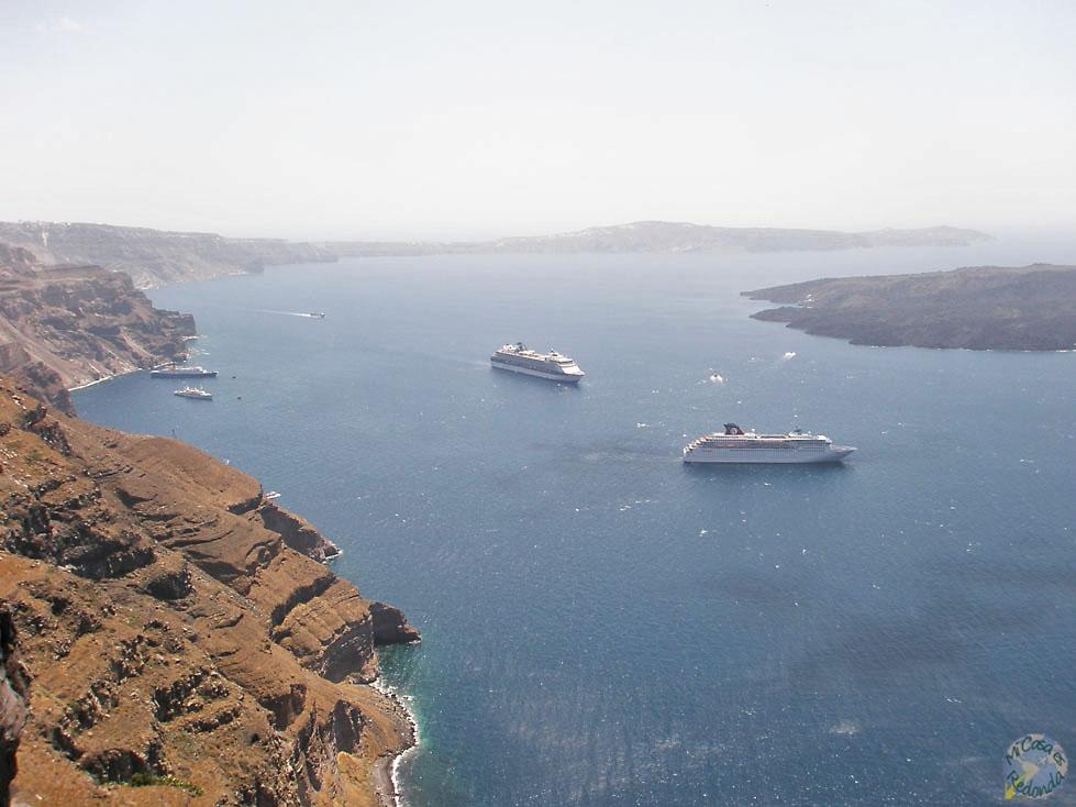 Los cruceros inundan el Egeo