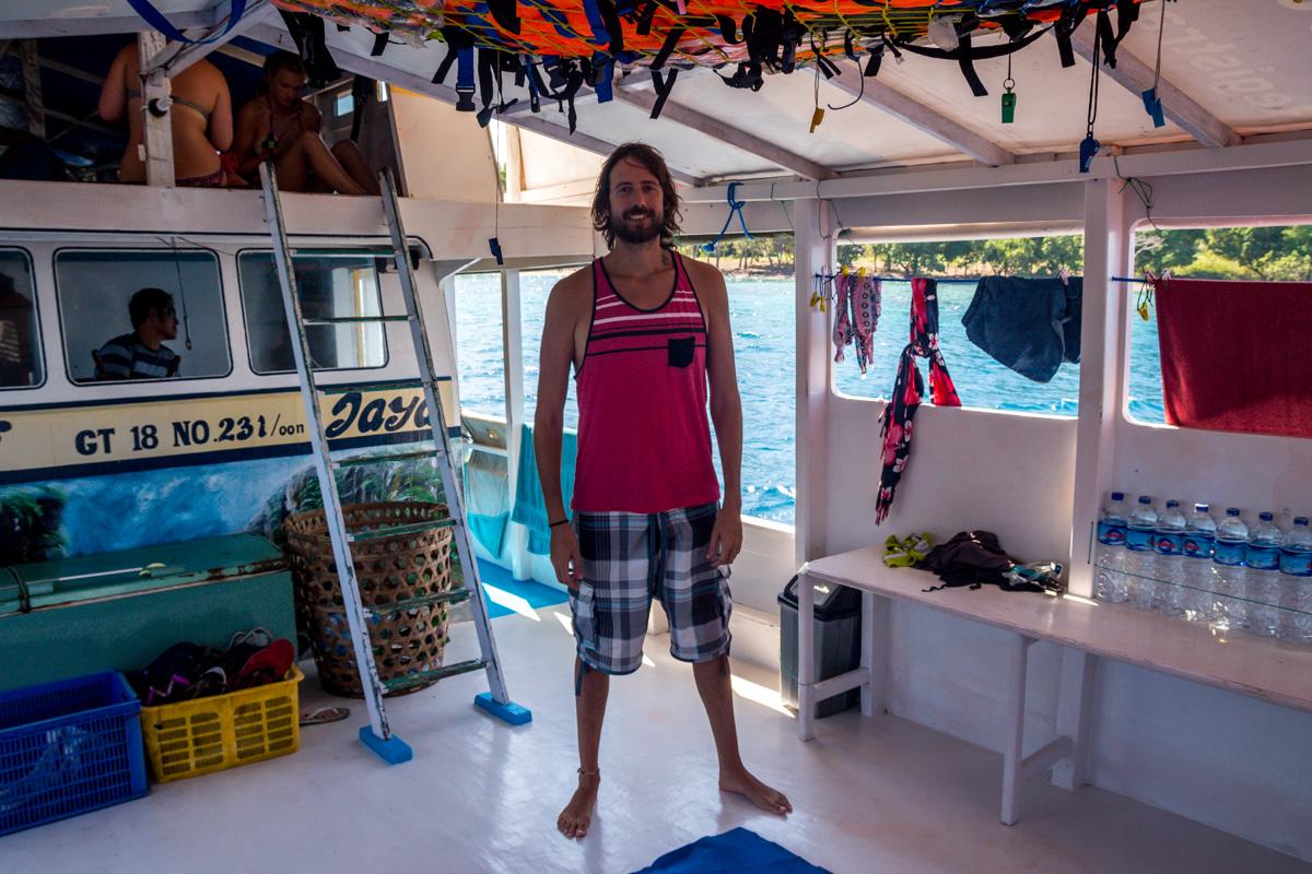 Haciéndome con el barco. Entre Lombok y Flores