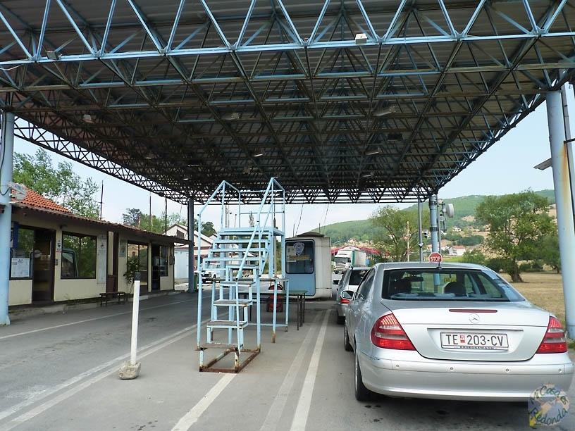Entrando a Kosovo, frontera con Macedonia
