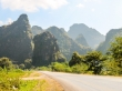 Formaciones kársticas de caliza en el primer día de ruta, Thakhek Loop