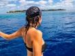 Carol explorando los mares de Maldivas