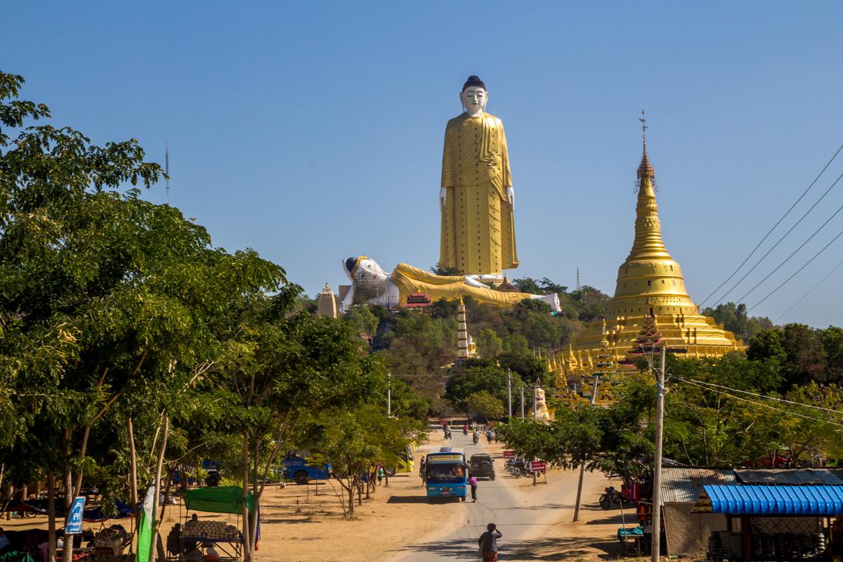 Competición de Budas gigantescos junto a Monywa