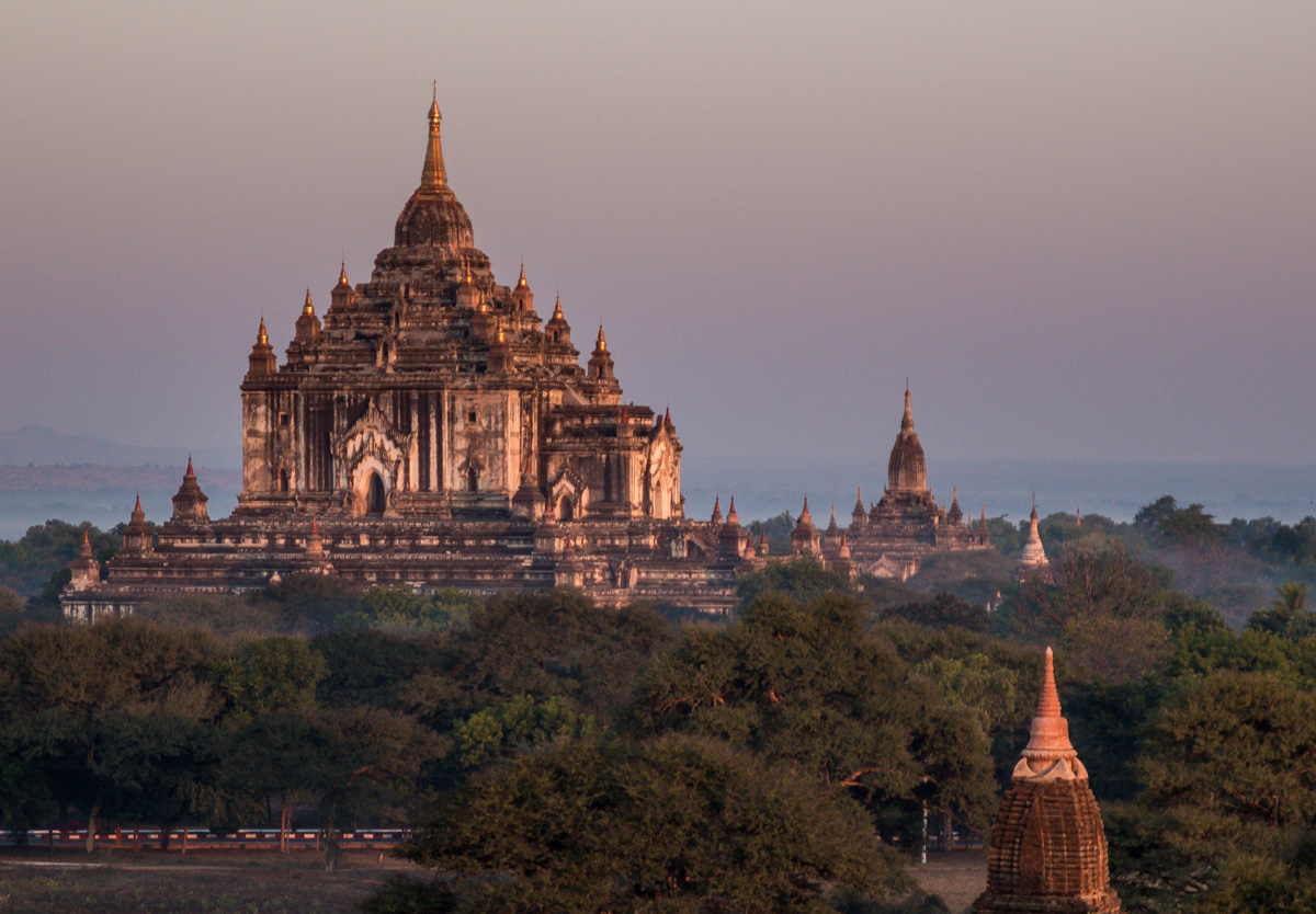 Thabyinyu temple, Bagan