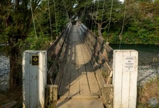 Puente sobre el río Tongariro, afueras de Turangi