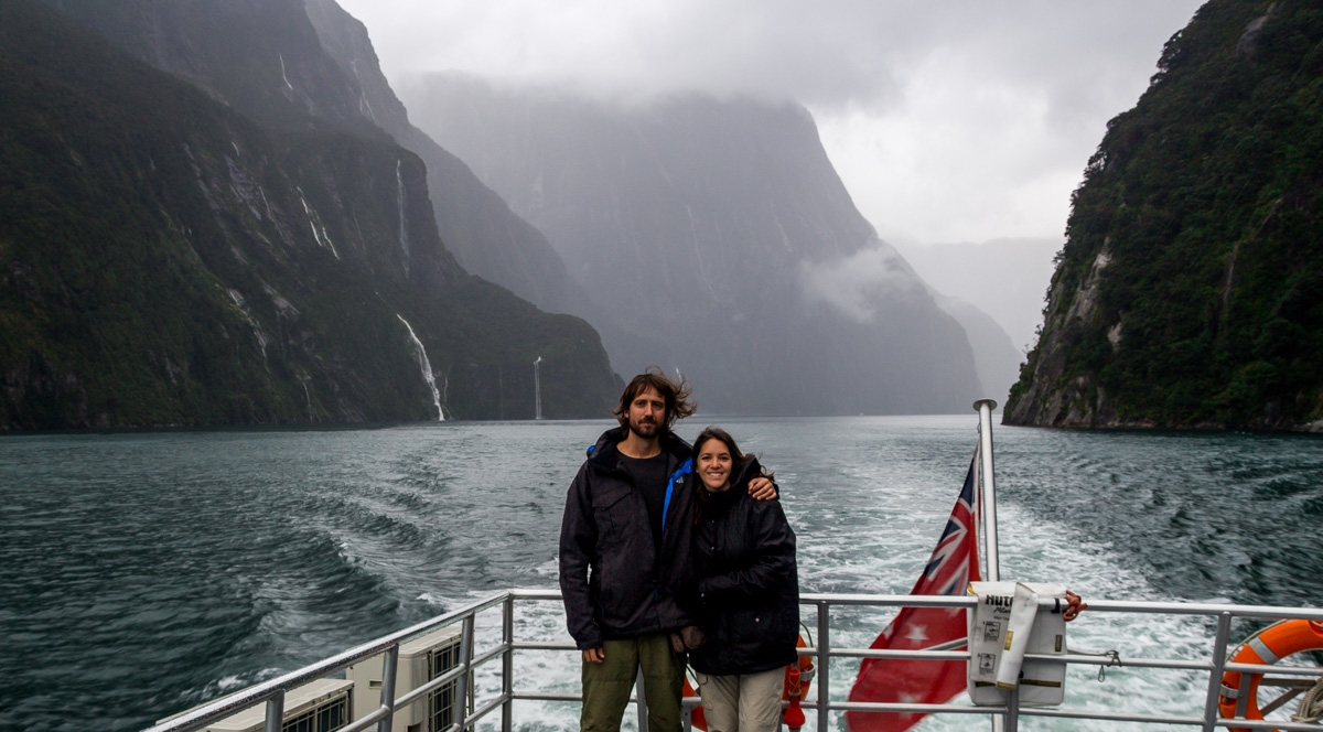 En el crucero de Milford Sound