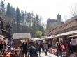 Puestos de souvenirs en la entrada del castillo de Bran