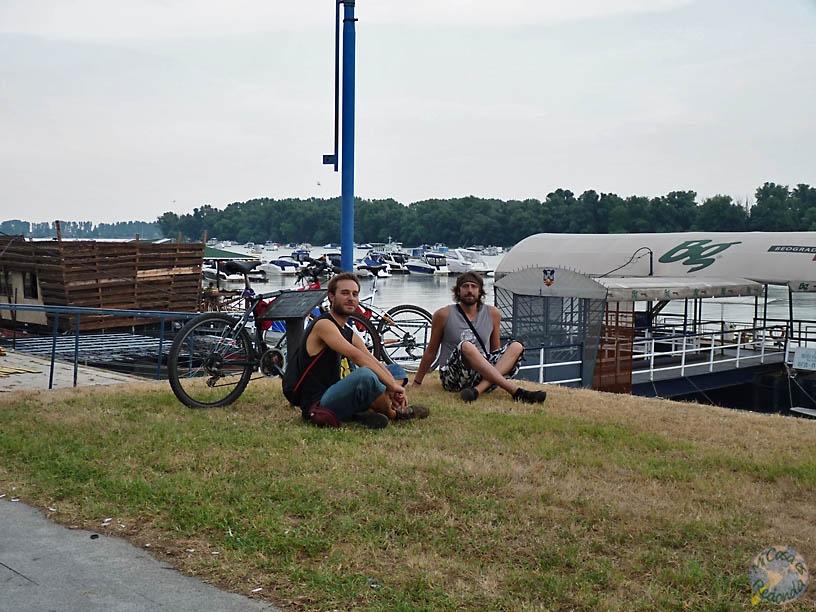 Pausa para reposar en Novi Beograd