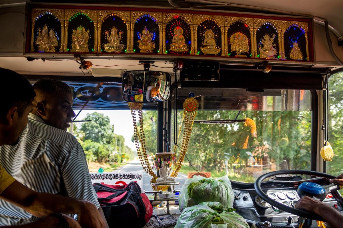Encomiéndate a todos los Budas de colores