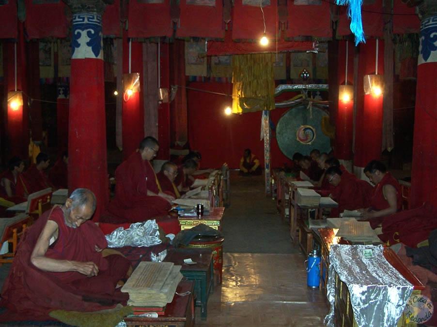 En el interior del templo, sabiduría