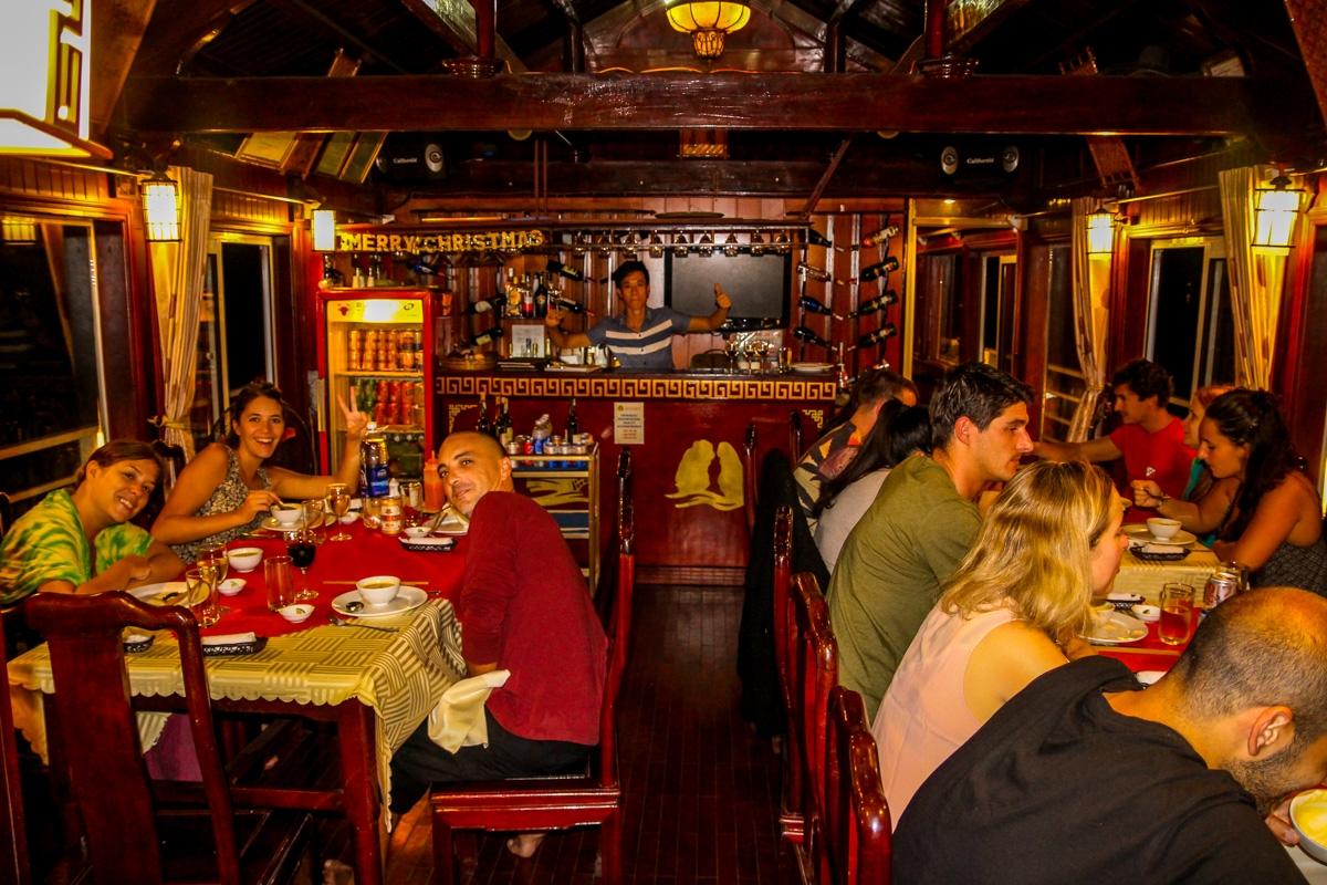 Cena a bordo, Halong Bay